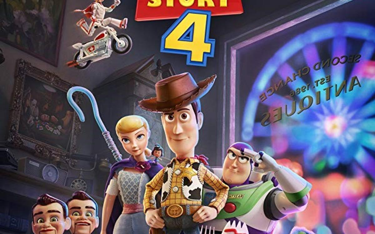 Movie night in the space - Toy Story 4